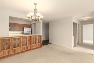 """Photo 8: 1602 7380 ELMBRIDGE Way in Richmond: Brighouse Condo for sale in """"The Residences"""" : MLS®# R2615275"""