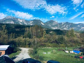Photo 12: 2162 HIGHWAY 99 in Pemberton: Mount Currie House for sale : MLS®# R2543035