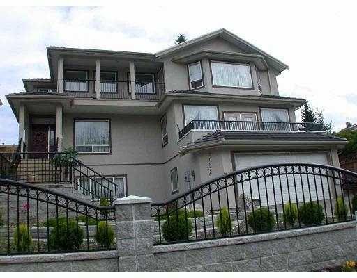 Main Photo: 20975 Golf Lane in Maple Ridge: Home for sale : MLS®# V921633