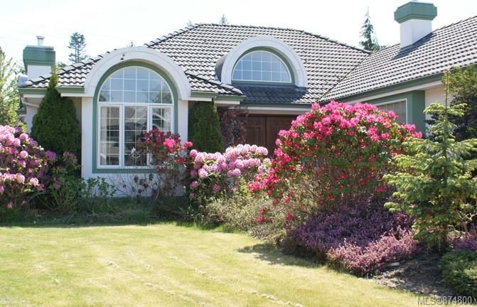 Main Photo: 1991 Fairway Dr in : CR Campbell River West House for sale (Campbell River)  : MLS®# 874800