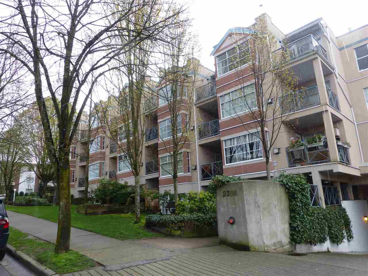 """Main Photo: 309 2388 TRIUMPH Street in Vancouver: Hastings Condo for sale in """"ROYAL ALEXANDRA"""" (Vancouver East)  : MLS®# R2157948"""