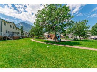 "Photo 16: 43 39920 GOVERNMENT Road in Squamish: Garibaldi Estates Townhouse for sale in ""SHANNON ESTATES"" : MLS®# R2283291"