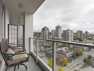 "Photo 10: 1908 668 COLUMBIA Street in New Westminster: Quay Condo for sale in ""Trapp & Holbrook"" : MLS®# R2378796"