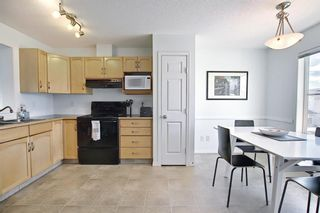 Photo 19: 28 Everhollow Way SW in Calgary: Evergreen Row/Townhouse for sale : MLS®# A1122910