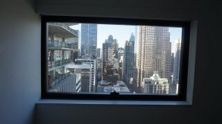 """Photo 7: 2505 838 W HASTINGS Street in Vancouver: Downtown VW Condo for sale in """"JAMESON HOUSE"""" (Vancouver West)  : MLS®# R2129939"""