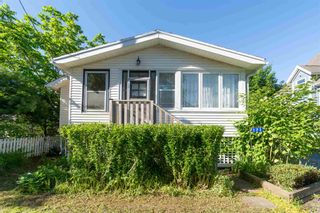 Photo 2: 171 Munroe Street in Windsor: 403-Hants County Residential for sale (Annapolis Valley)  : MLS®# 202116941