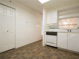 """Photo 11: 21 2130 MARINE Drive in West Vancouver: Dundarave Condo for sale in """"Lincoln Gardens"""" : MLS®# V1115405"""