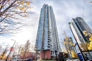 """Photo 2: 2202 1408 STRATHMORE Mews in Vancouver: Yaletown Condo for sale in """"WEST ONE"""" (Vancouver West)  : MLS®# R2432434"""
