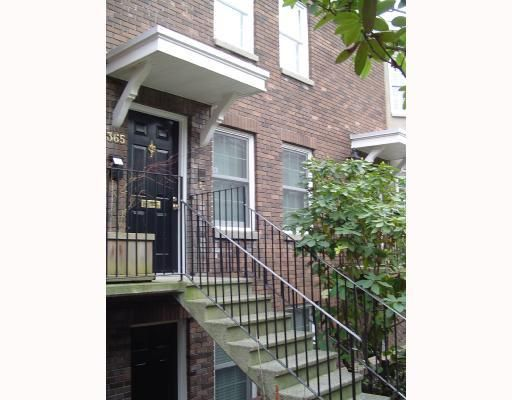 """Main Photo: 1365 W 7TH AV in Vancouver: Fairview VW Condo for sale in """"WEMSLEY MEWS"""" (Vancouver West)  : MLS®# V806389"""