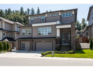 Photo 1: 33978 MCPHEE Place in Mission: Mission BC House for sale : MLS®# R2478044