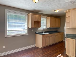 Photo 2: 2467 Loretta Avenue in Coldbrook: 404-Kings County Residential for sale (Annapolis Valley)  : MLS®# 202125866