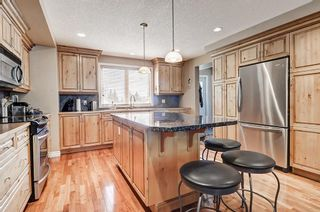 Photo 8: 5631 LODGE Crescent SW in Calgary: Lakeview Detached for sale : MLS®# C4261500