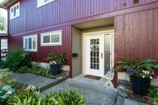 "Photo 2: 2810 GORDON Avenue in Surrey: Crescent Bch Ocean Pk. House for sale in ""Crescent Beach"" (South Surrey White Rock)  : MLS®# R2005295"