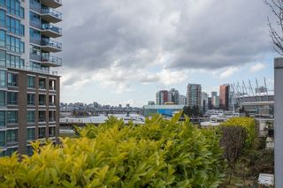 """Photo 18: 306 125 MILROSS Avenue in Vancouver: Mount Pleasant VE Condo for sale in """"Creekside"""" (Vancouver East)  : MLS®# R2244749"""