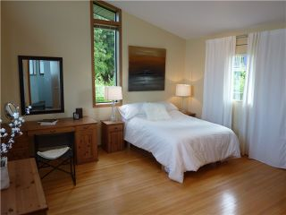 Photo 10: 228 W BALMORAL RD in North Vancouver: Upper Lonsdale House for sale : MLS®# V907386