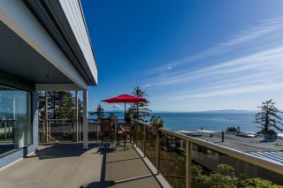 Photo 1: 1347 EVERALL Street: White Rock House for sale (South Surrey White Rock)  : MLS®# R2576172