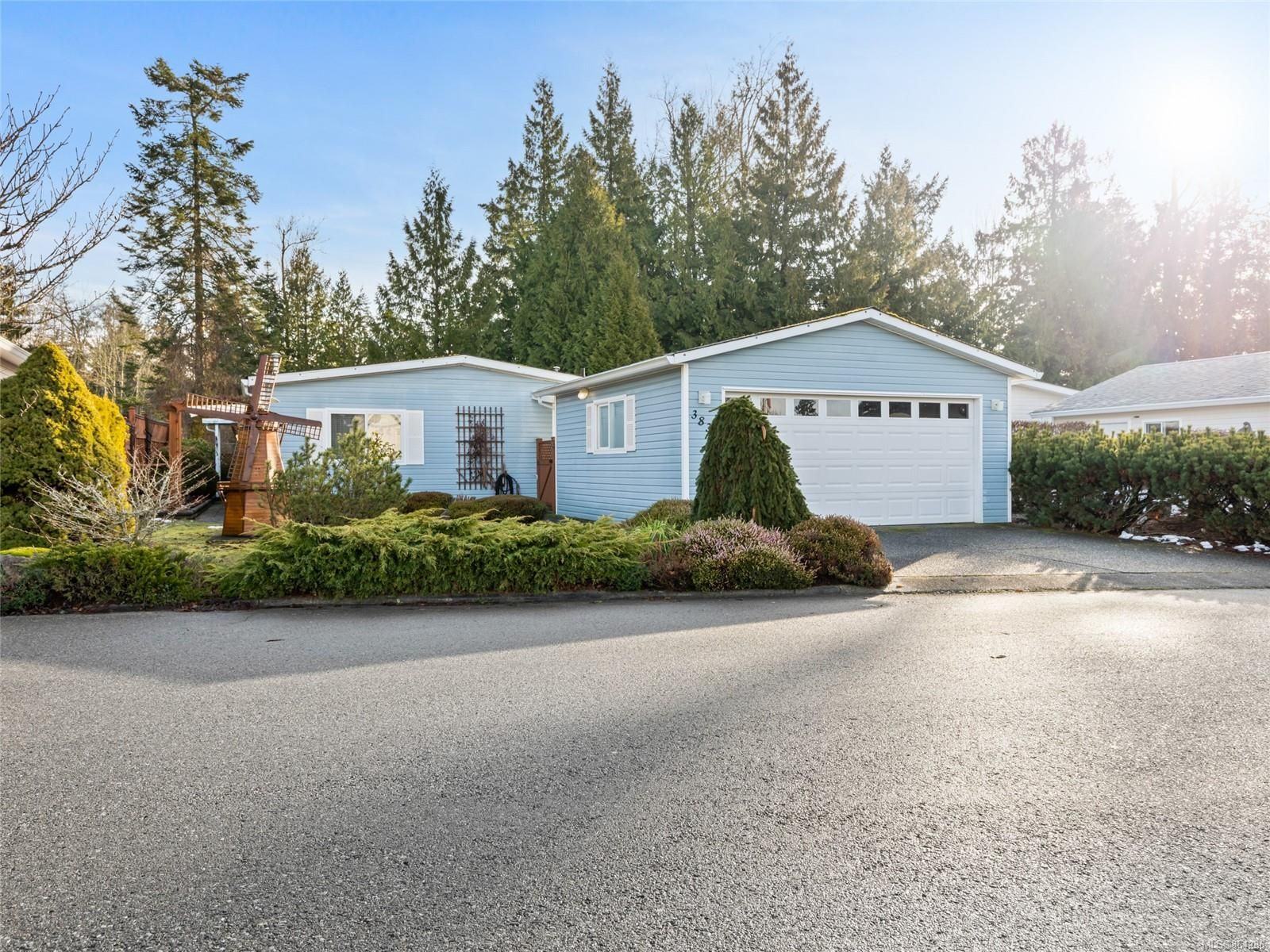Main Photo: 3836 King Arthur Dr in : Na North Jingle Pot Manufactured Home for sale (Nanaimo)  : MLS®# 864286