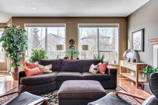 Photo 18: 90 STRATHLEA Crescent SW in Calgary: Strathcona Park Detached for sale : MLS®# C4289258