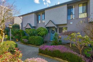 "Photo 1: 18 225 W 14TH Street in North Vancouver: Central Lonsdale Townhouse for sale in ""CARLTON COURT"" : MLS®# R2567110"