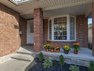 Photo 3: 1163 Katharine Crescent in Kingston: House for sale : MLS®# 40172852