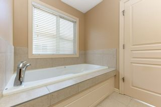 Photo 21: 918 CHAHLEY Crescent in Edmonton: Zone 20 House for sale : MLS®# E4237518