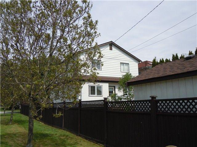Photo 14: Photos: 3604 NAPIER Street in Vancouver: Renfrew VE House for sale (Vancouver East)  : MLS®# V1121247