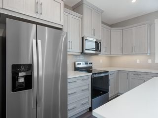 Photo 3: 32 SKYVIEW Parade NE in Calgary: Skyview Ranch Row/Townhouse for sale : MLS®# C4289138