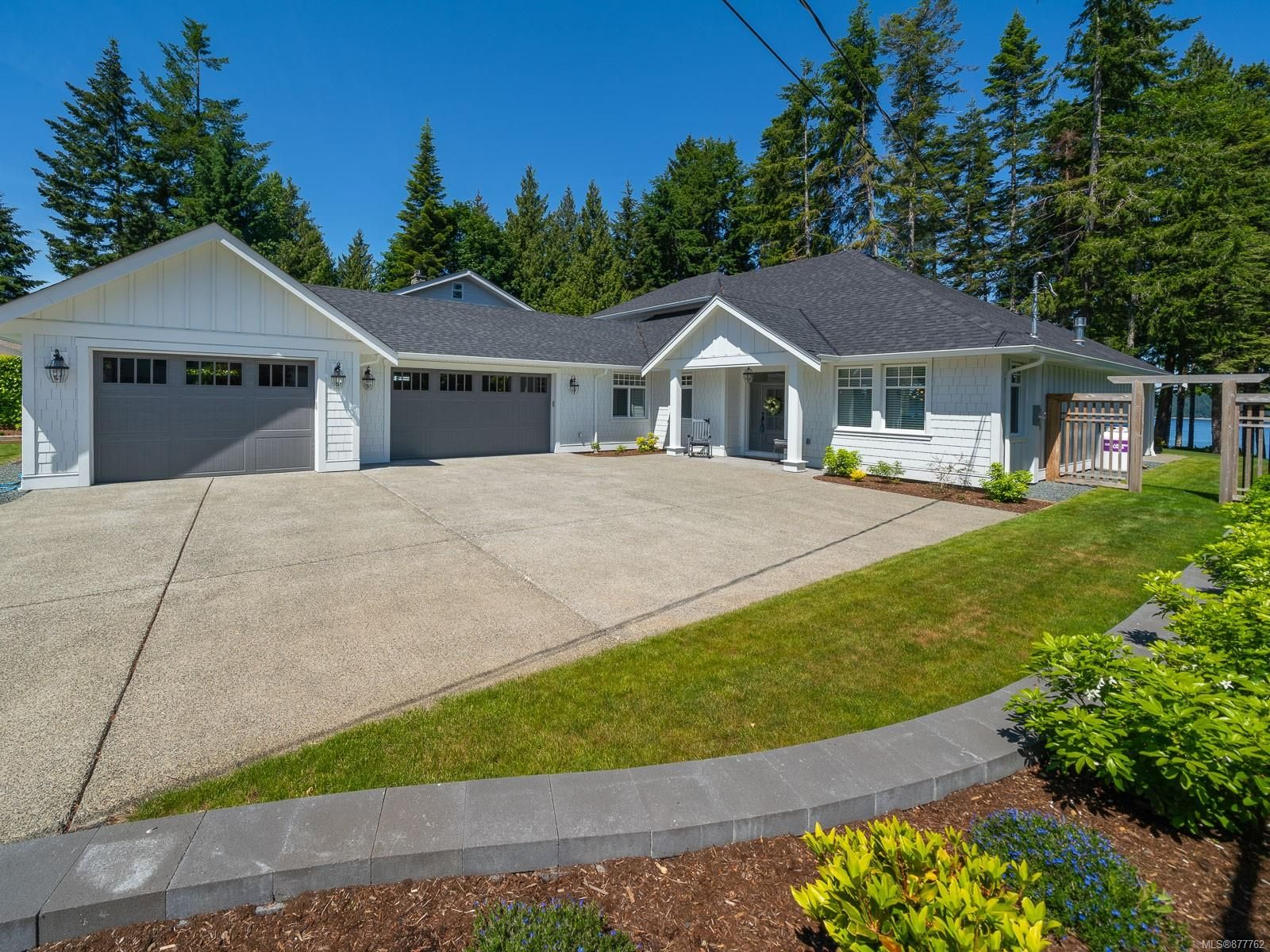 Main Photo: 4827 Ocean Trail in : PQ Bowser/Deep Bay House for sale (Parksville/Qualicum)  : MLS®# 877762