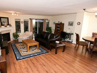 """Photo 3: 22 795 NOONS CREEK Drive in Port Moody: North Shore Pt Moody Townhouse for sale in """"HERITAGE TERRACE"""" : MLS®# V981692"""
