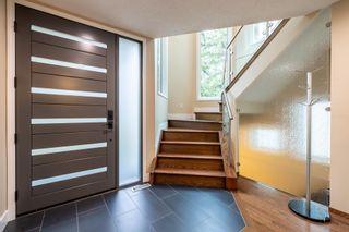 Photo 5: 9429 101 Street in Edmonton: Zone 12 House for sale : MLS®# E4255702