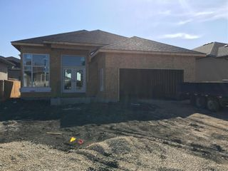 Photo 2: 12 Beck Cove in Winnipeg: Charleswood Residential for sale (1H)  : MLS®# 202103981