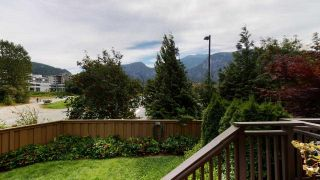 """Photo 10: 1282 STONEMOUNT Place in Squamish: Downtown SQ Townhouse for sale in """"Streams at Eaglewind"""" : MLS®# R2481347"""