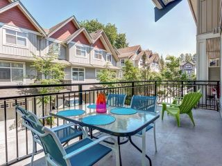 """Photo 5: 9 20120 68 Avenue in Langley: Willoughby Heights Townhouse for sale in """"The Oaks"""" : MLS®# F1443428"""