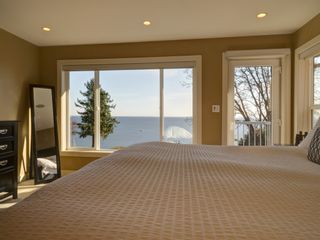 Photo 13: 90 HEAD Road in Gibsons: Gibsons & Area House for sale (Sunshine Coast)  : MLS®# R2194939