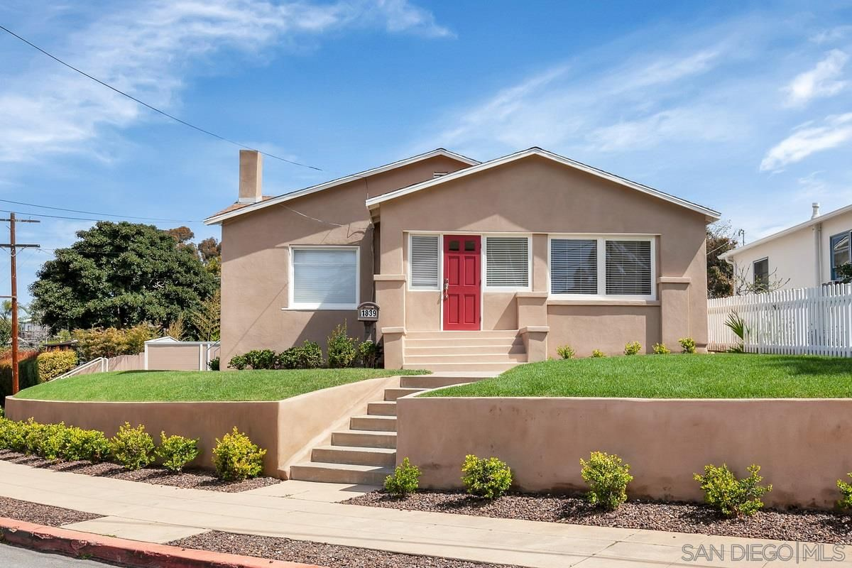 Main Photo: MISSION HILLS House for rent : 3 bedrooms : 1839 Washington PL in San Diego