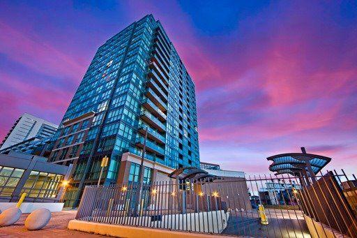 Main Photo: 806 1171 W Queen Street in Toronto: Trinity-Bellwoods Condo for sale (Toronto C01)  : MLS®# C3448144