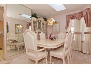 """Photo 3: 6 9163 FLEETWOOD Way in Surrey: Fleetwood Tynehead Townhouse for sale in """"Fountains of Guildford"""" : MLS®# F1323715"""