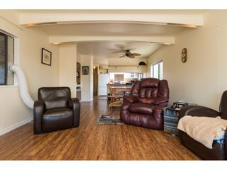"""Photo 4: 3 2120 KING GEORGE Boulevard in Surrey: King George Corridor Manufactured Home for sale in """"Five Oaks"""" (South Surrey White Rock)  : MLS®# R2189509"""