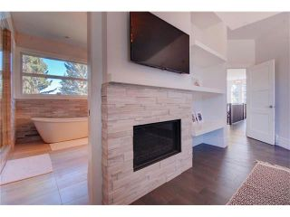 Photo 18: 6427 LAURENTIAN Way SW in Calgary: North Glenmore Park House for sale : MLS®# C4077730