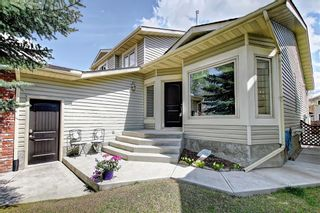Photo 2: 155 SUN HARBOUR Close SE in Calgary: Sundance Detached for sale : MLS®# C4247547