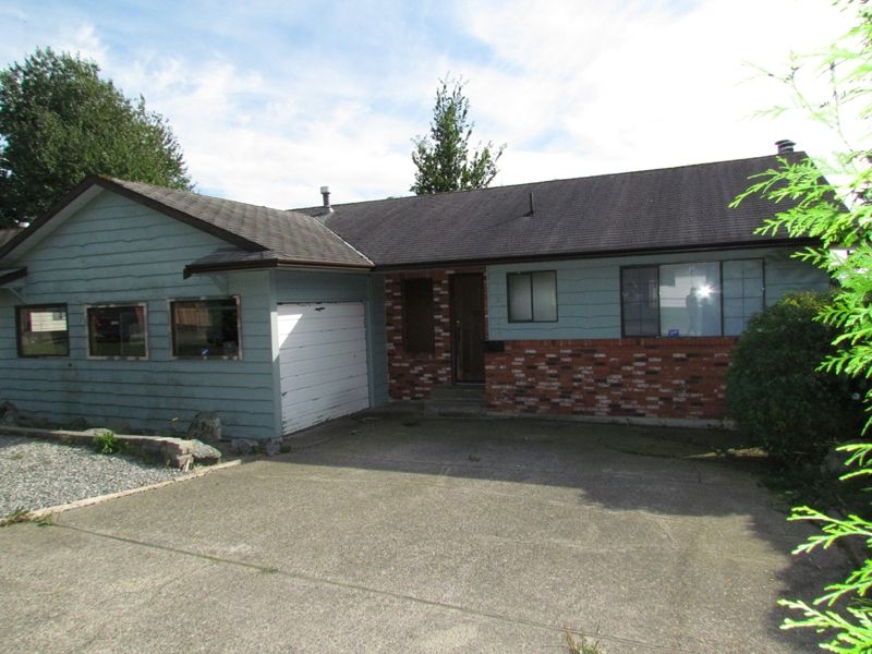 Main Photo: 32368 BEAR CR in MISSION: House for rent (Mission)