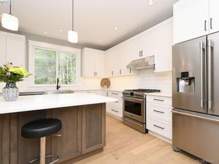 Photo 9: 1024 Deltana Ave in VICTORIA: La Olympic View House for sale (Langford)  : MLS®# 820960