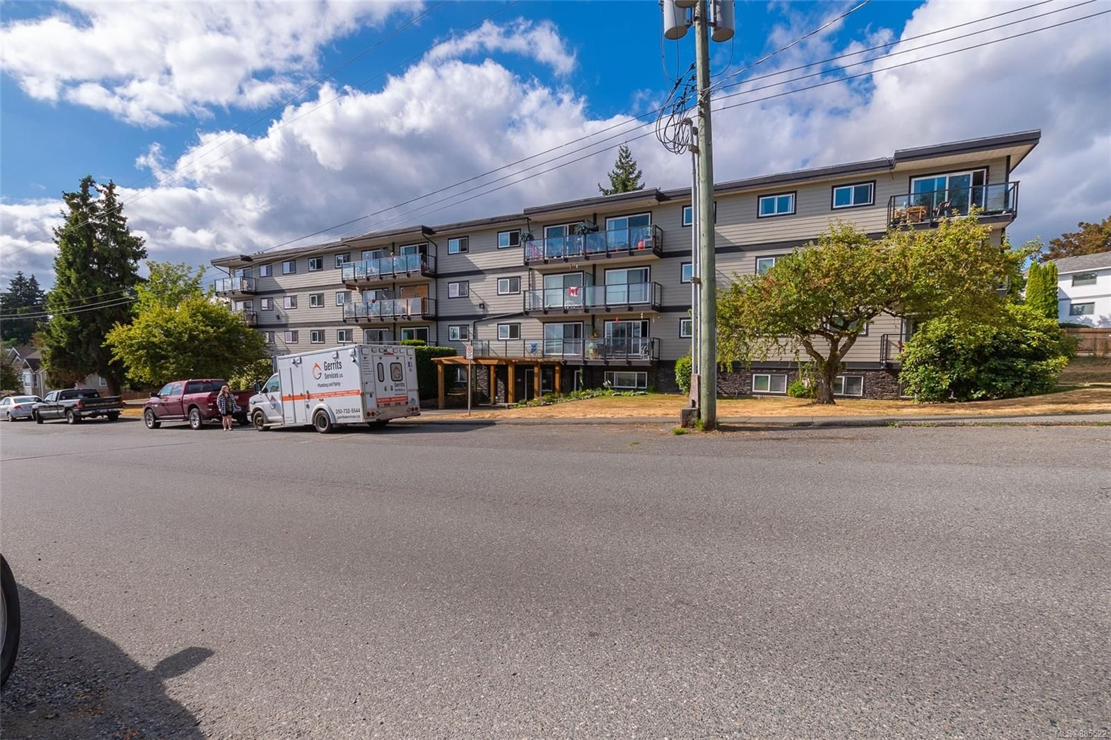 Main Photo: 402 218 Bayview Ave in : Du Ladysmith Condo for sale (Duncan)  : MLS®# 885522