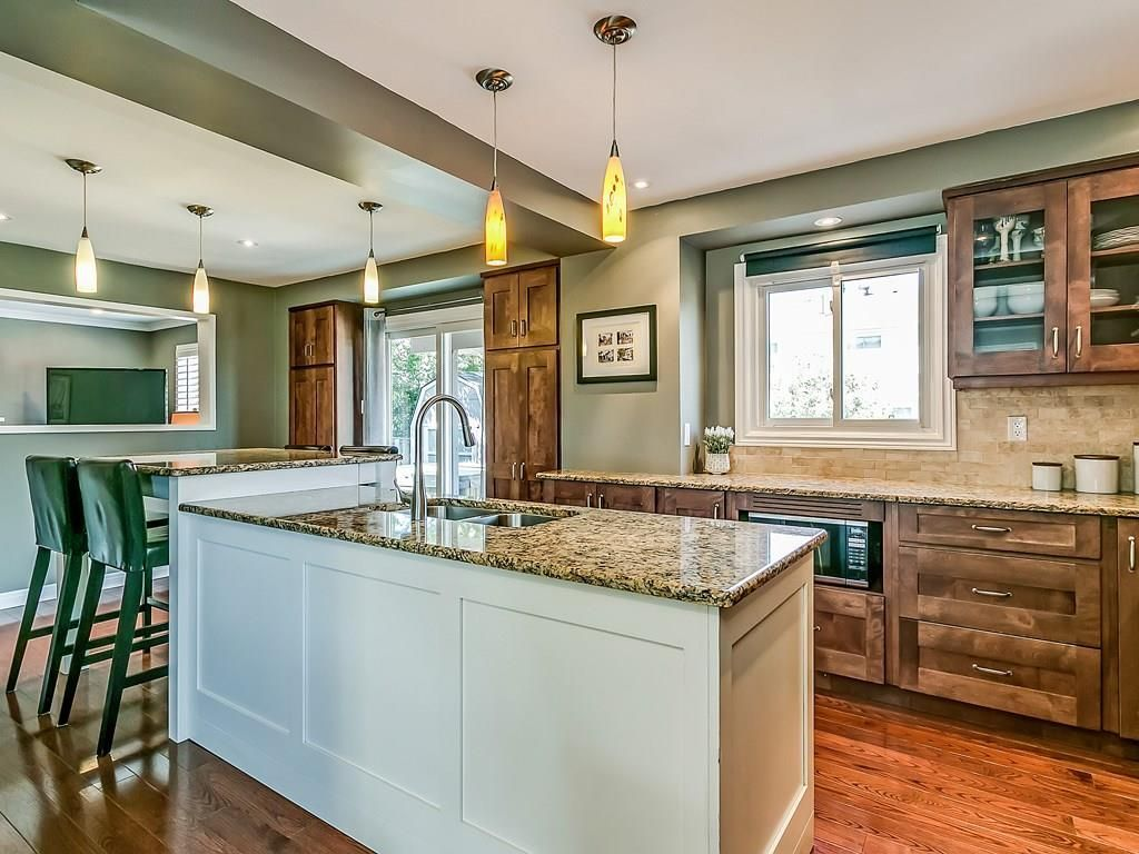 Photo 8: Photos: 2025 SUMMER WIND Drive in Burlington: Residential for sale : MLS®# H4030696