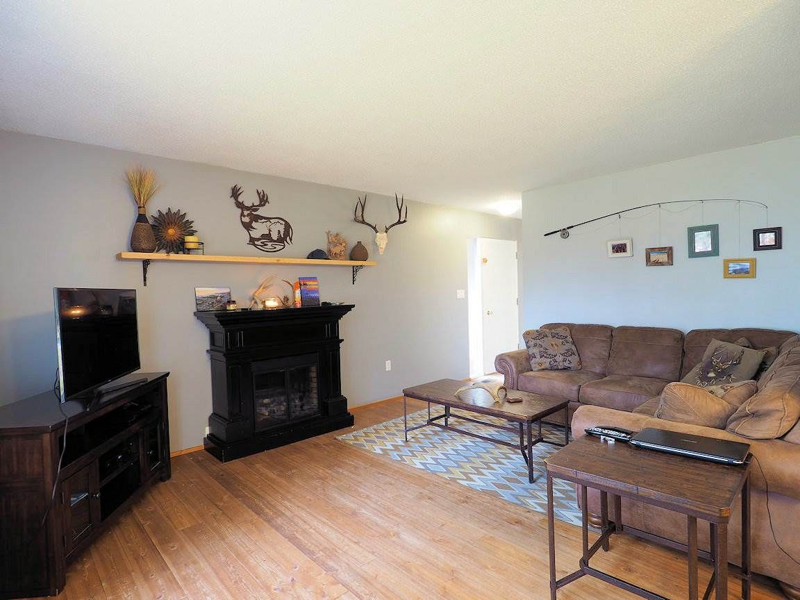 Photo 5: Photos: 6496 GREY Crescent in 100 Mile House: Horse Lake House for sale (100 Mile House (Zone 10))  : MLS®# R2418657