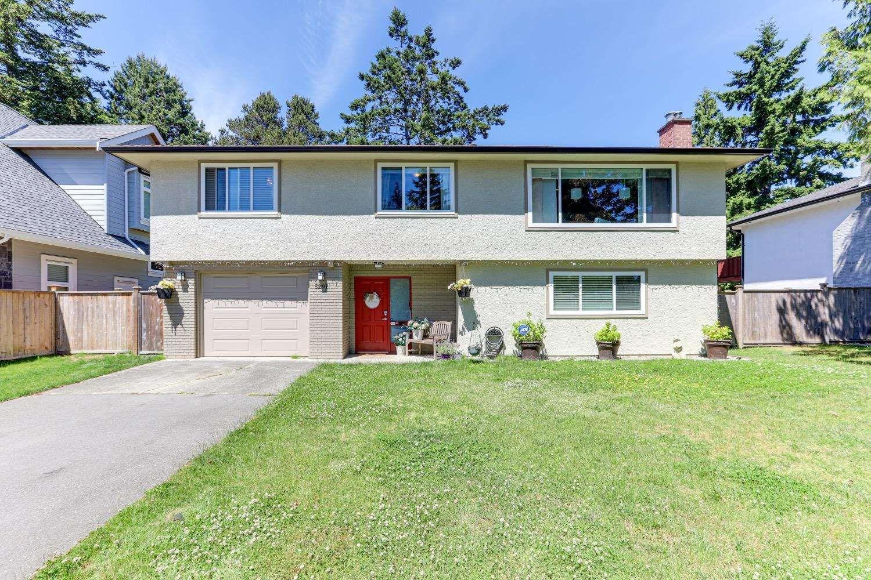 Main Photo: 5291 WILLIAMS Avenue in Delta: Pebble Hill House for sale (Tsawwassen)  : MLS®# R2594089