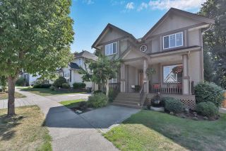 """Photo 4: 6921 179 Street in Surrey: Cloverdale BC House for sale in """"Provinceton"""" (Cloverdale)  : MLS®# R2611722"""
