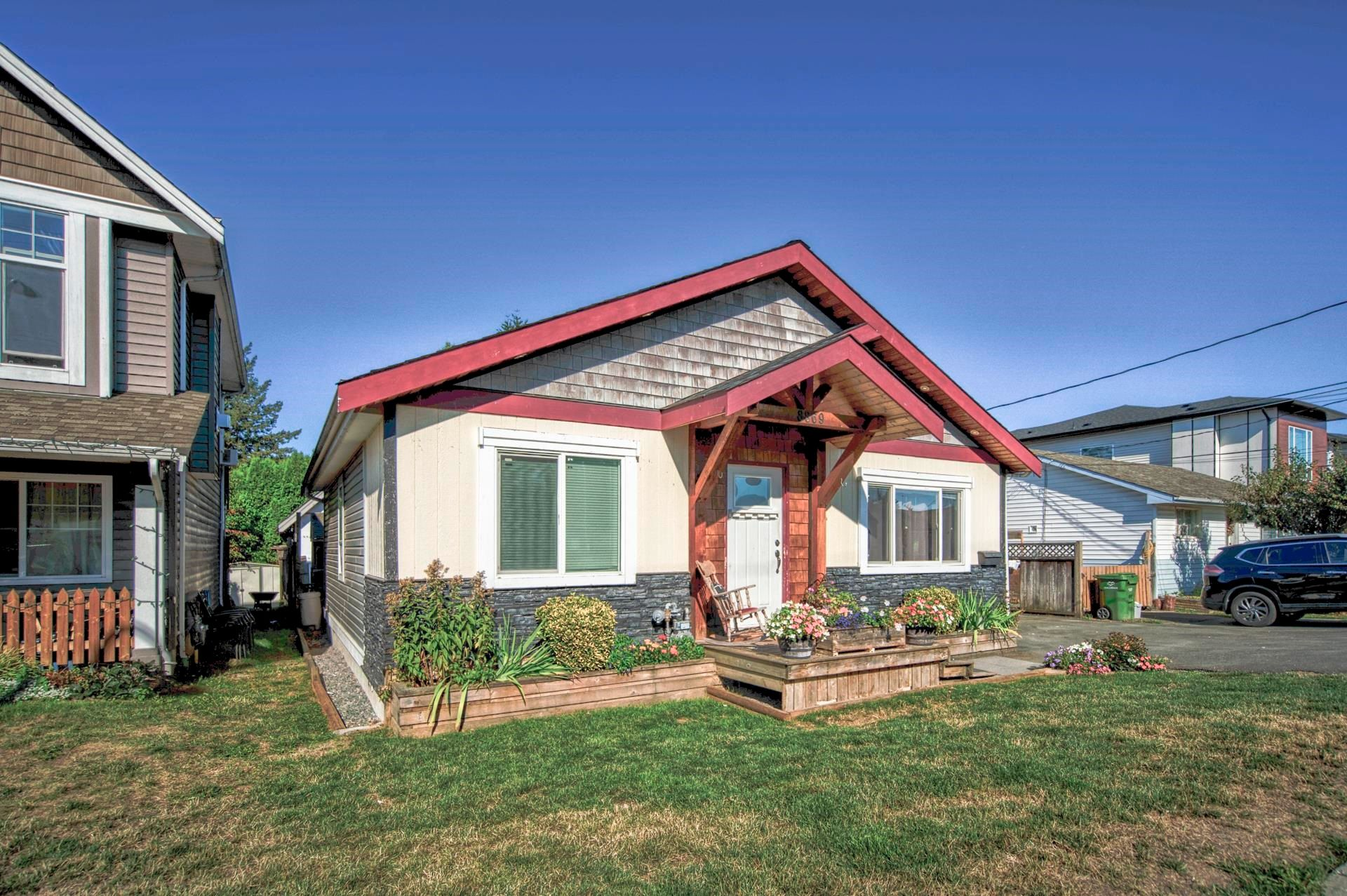 Main Photo: 8869 EDWARD Street in Chilliwack: Chilliwack W Young-Well House for sale : MLS®# R2614844