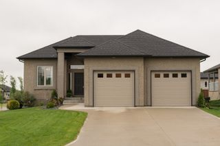 Photo 1: 2 Lowe Crescent: Oakbank Single Family Detached for sale (R04)  : MLS®# 1814754