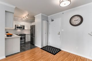 """Photo 5: 906 488 HELMCKEN Street in Vancouver: Yaletown Condo for sale in """"Robinson Tower"""" (Vancouver West)  : MLS®# R2086319"""